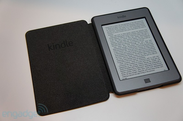 Amazon se queda sin stock del Kindle Touch en EEUU y los rumores se desatan
