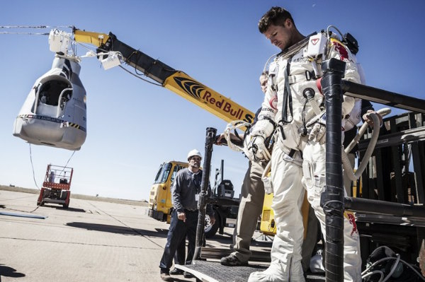 Sigue en directo el 'salto estratosfrico' de Felix Baumgartner y Red Bull