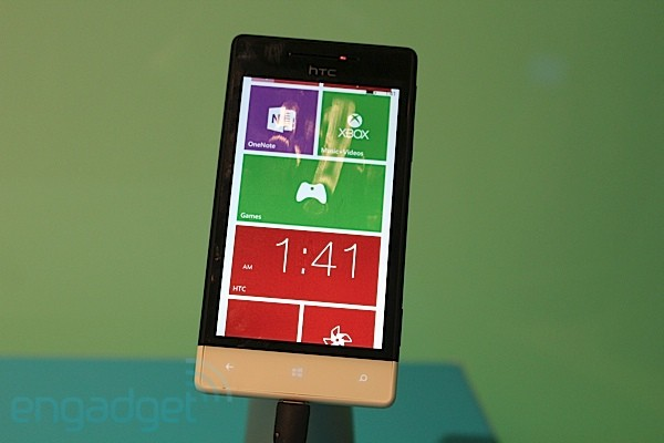 Windows Phone 8S de HTC visto de cerca (¡en vídeo!)