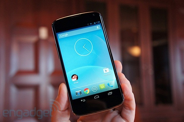 Nexus 4, un vistazo al buque insignia de Google (vídeo)