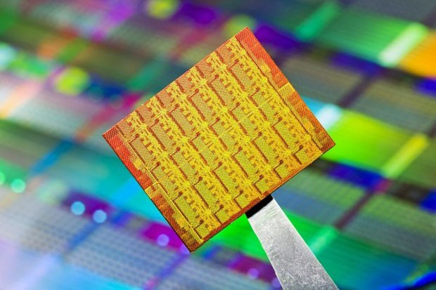 Los 48 ncleos de Intel guian un ojo al mercado mvil