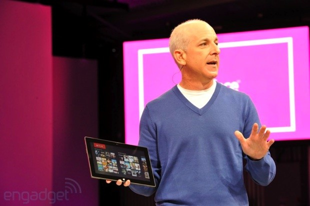 Sinofsky (Microsoft) opina que un PC con Windows 8 supera a un iPad mini