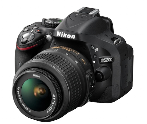 Nueva Nikon D5200 con 24 MP, 39 puntos de enfoque y conectividad inalmbrica