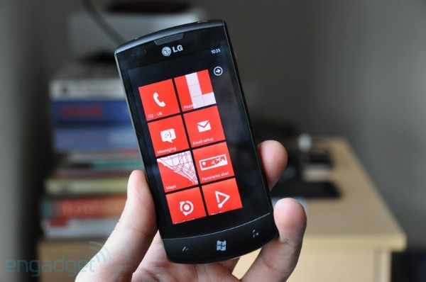 LG Polonia dice que no hay planes para actualizar el Optimus 7 a Windows Phone 7.8
