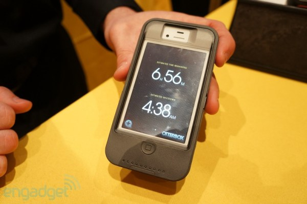 Otterbox Defender iON Intelligence, la funda-batera que carga el iPhone con cabeza