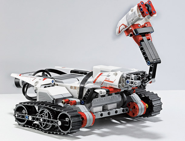 LEGO Mindstorms EV3 llega con infrarrojos, control por el mvil y... muchas ganas de marcha