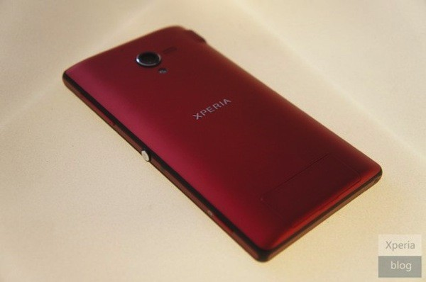 Sony muestra un Xperia ZL rojo que no podr ser adquirido