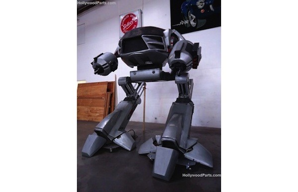 El ED-209 de Robocop 2 aparece a subasta en eBay