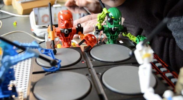 Lego Bionicle y Arduino se unen para formar una inesperada orquesta (vdeo) 