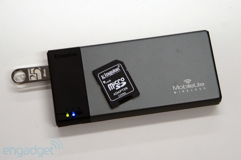 Kingston MobileLite Wireless hace doblete como lector de tarjetas y cargador