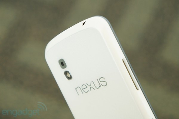El LG Nexus 4 se viste de blanco en el Google I/O 2013