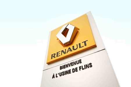 vid o les coulisses de l 39 usine renault de flins autoblog fr. Black Bedroom Furniture Sets. Home Design Ideas