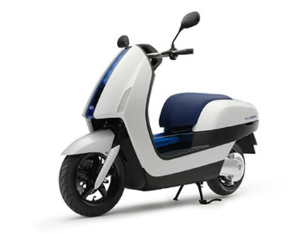 Yamaha to unveil hydrogen fuel cell scooter at evs 22 for Yamaha water scooter