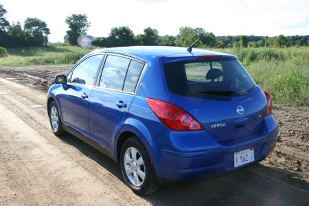 nissan versa 2008. The Versa is available in two