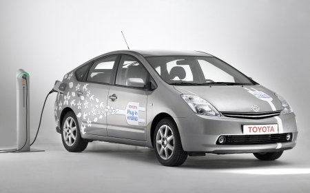 Picture edf toyota prius plug in charging station