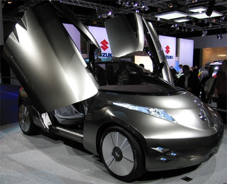 Nissan exec expects quadrupling of electric car range by 2015