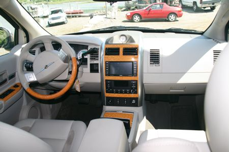 abg first drive 2009 chrysler aspen dodge durango 2 mode. Black Bedroom Furniture Sets. Home Design Ideas
