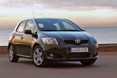 toyota adds diesel engine to the auris lineup autoblog. Black Bedroom Furniture Sets. Home Design Ideas