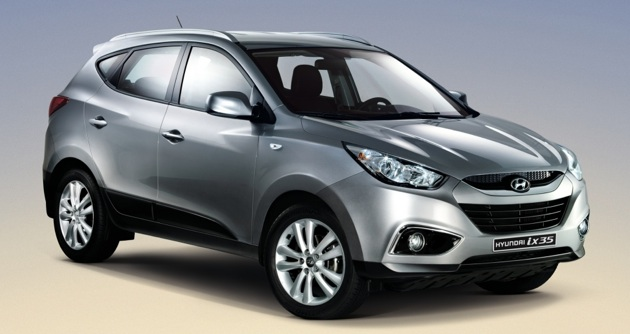 frankfurt preview hyundai ix35 the suv with mainstream hatchback running costs. Black Bedroom Furniture Sets. Home Design Ideas