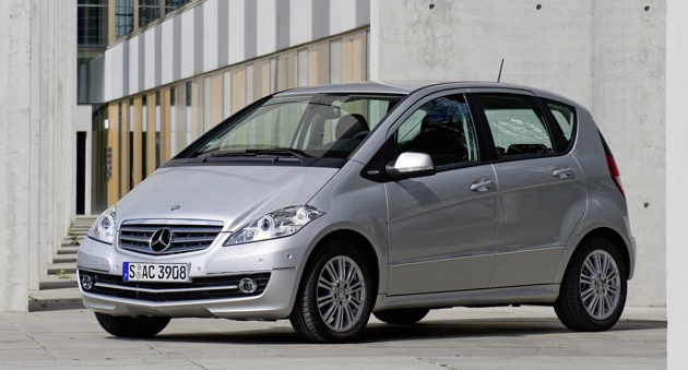 Daimler launches 600 million small car investment a for Mercedes benz b class bev
