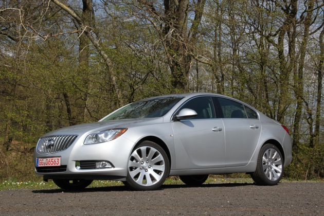 2011 buick regal turbo features flex fuel capability. Black Bedroom Furniture Sets. Home Design Ideas