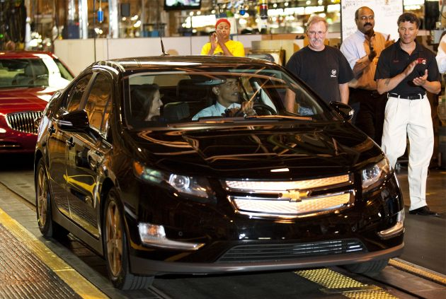 obama drives chevy volt