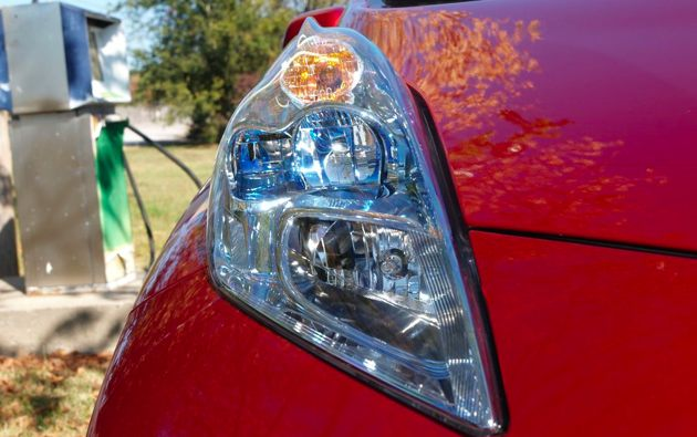 nissan leaf headlight
