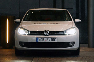 Volkswagen Golf Blue-e-motion front