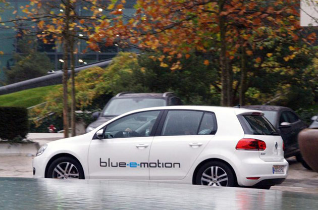 Volkswagen Golf Blue-e-motion profile