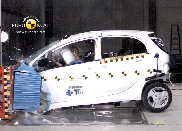 Mitsubishi i-MiEV crash test