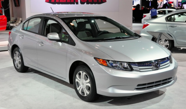 2012 honda civic hybrid no match for aging toyota prius in. Black Bedroom Furniture Sets. Home Design Ideas