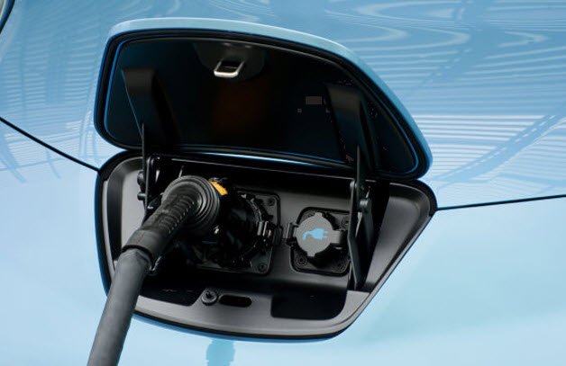 Nissan leaf with cable attached