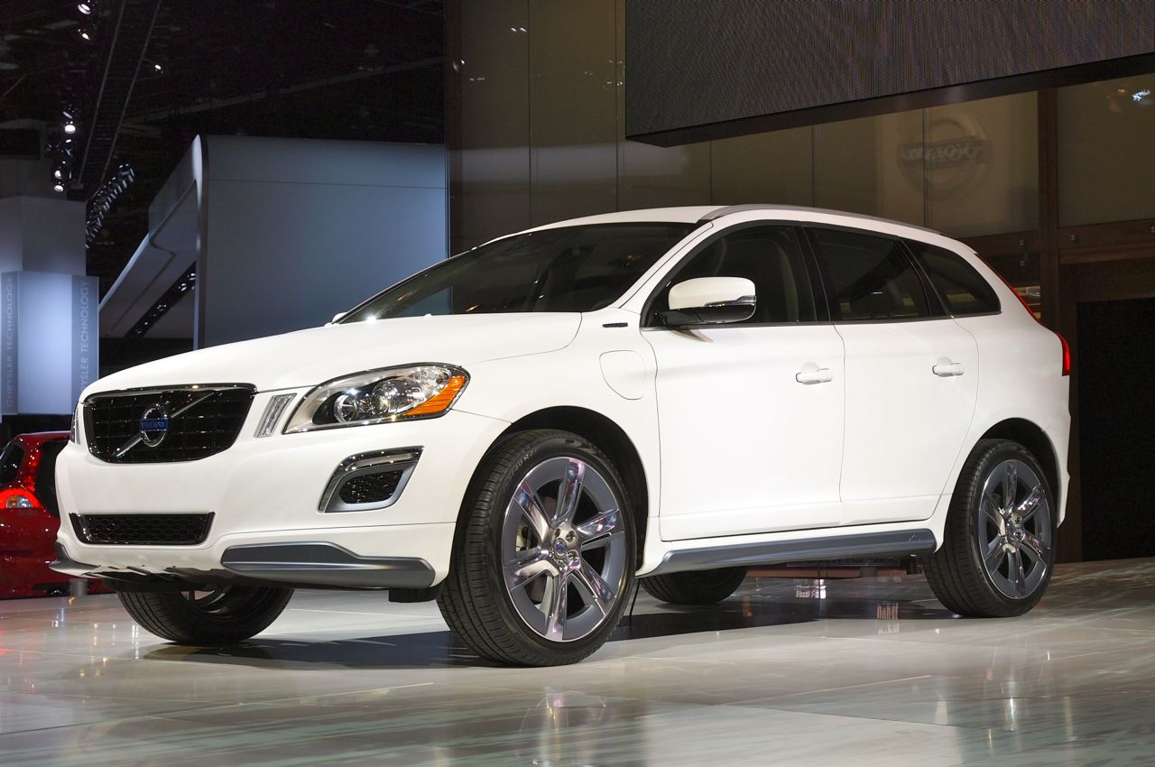 xc60 plug in hybrid shows where volvo is headed autoblog. Black Bedroom Furniture Sets. Home Design Ideas