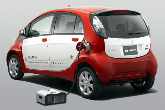 Mitsubishi iMiEV with Power BOX plugged in