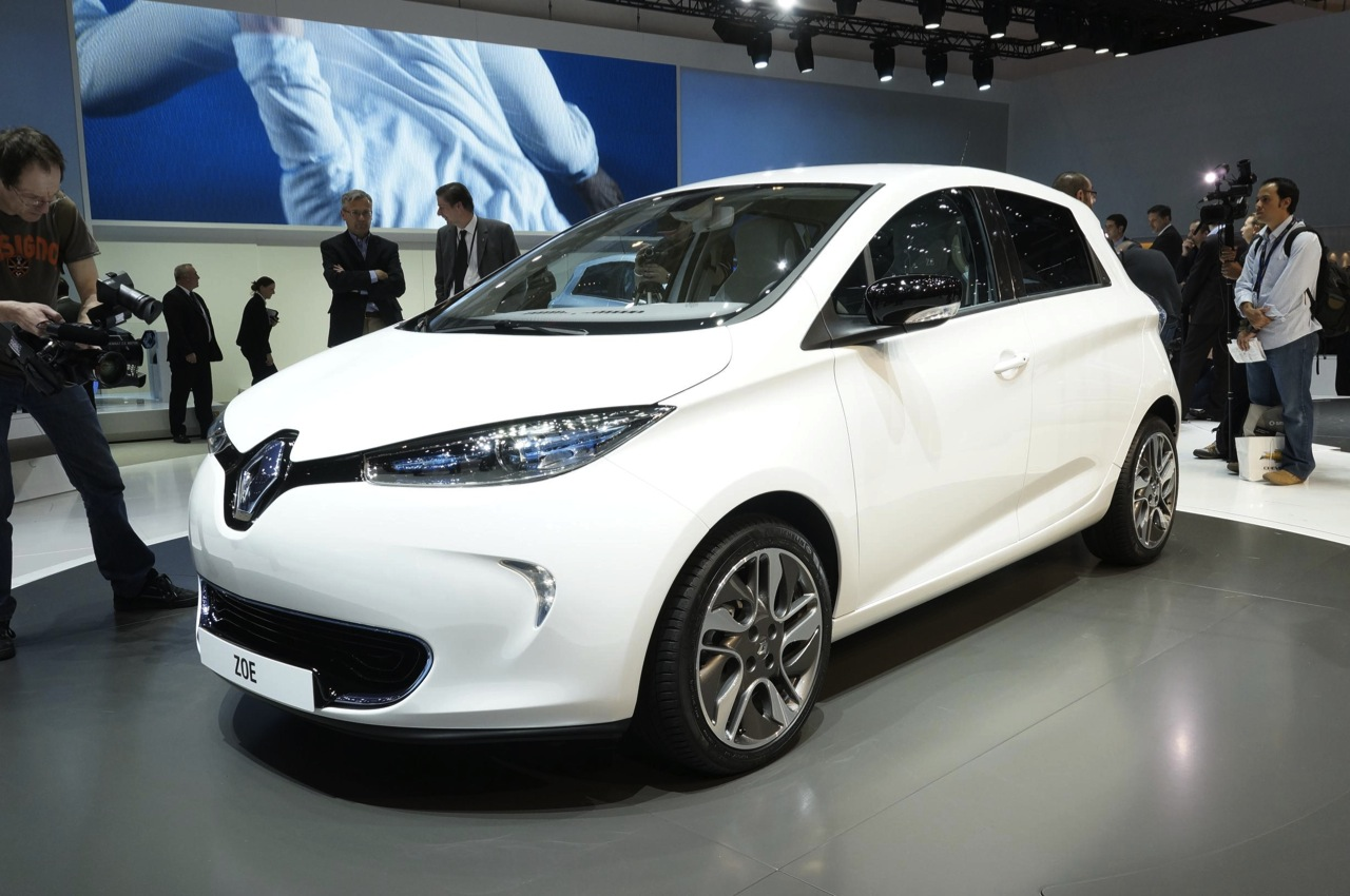Pre Owned Cars >> Renault Zoe shows its low-cost, all-electric face - Autoblog