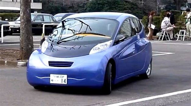 SIM-DRIVE's SIM-LEI in-wheel motor electric car in motion