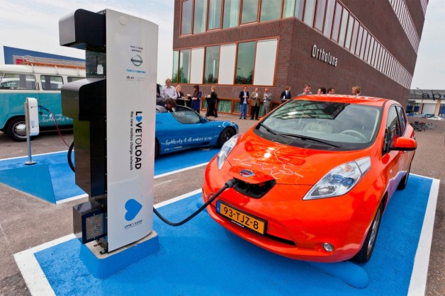 Nissan Leaf with DC fast charger