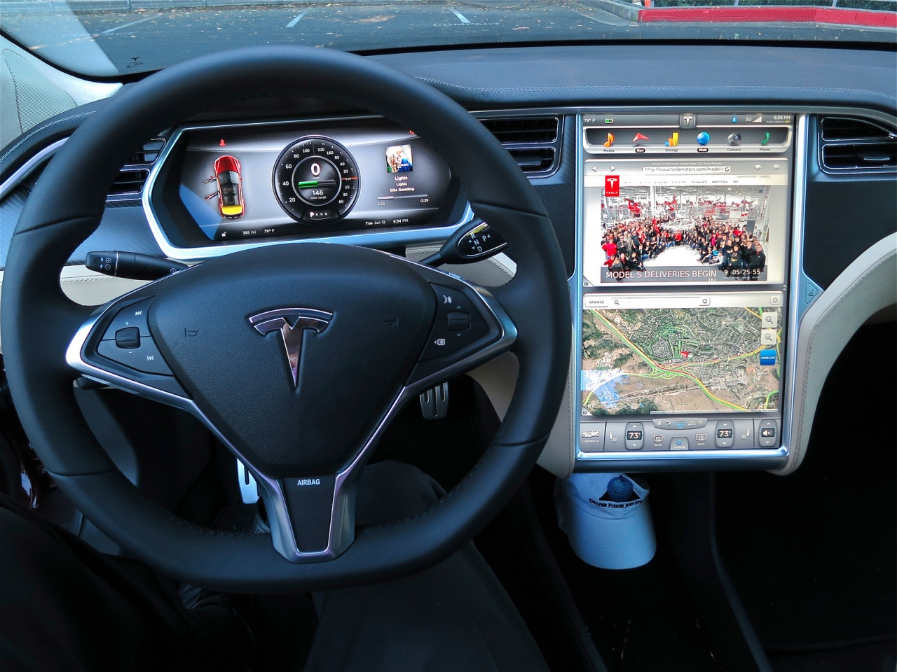 article check touch screen this tesla