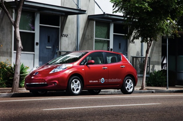 2012 nissan leaf red