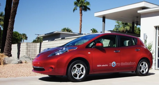 2012 nissan leaf red with palm tree