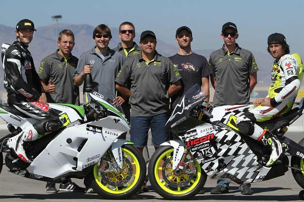 Team Icon Brammo post-race picture with both bikes, riders and crew