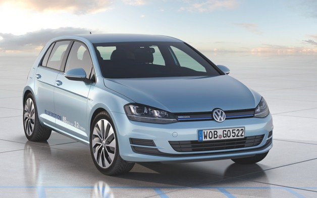Volkswagen Golf BlueMotion concept - front three-quarter view