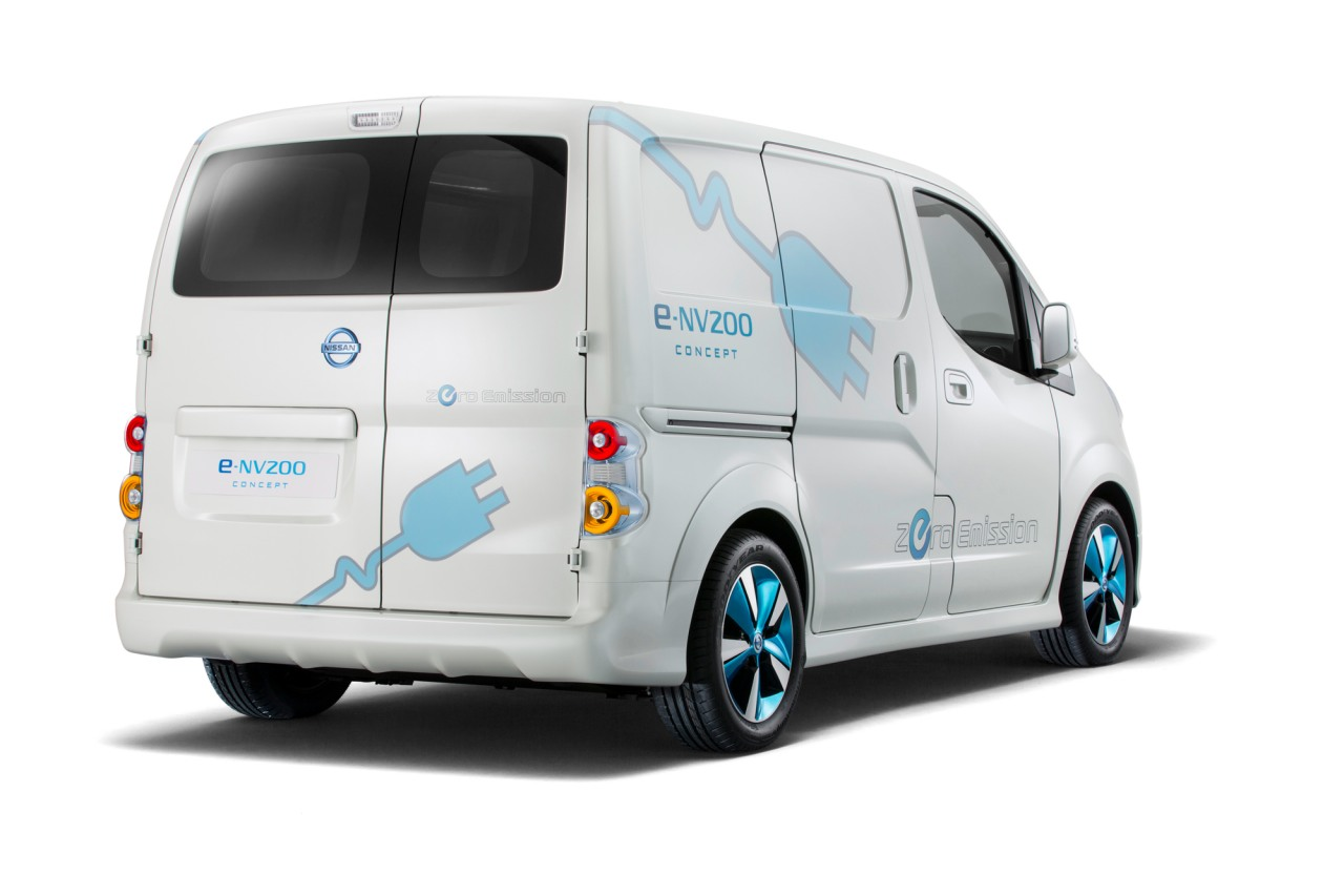 nissan 7 seat electric minivan based on e nv200 coming next year autoblog. Black Bedroom Furniture Sets. Home Design Ideas