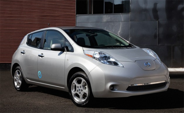 2012 silver nissan leaf