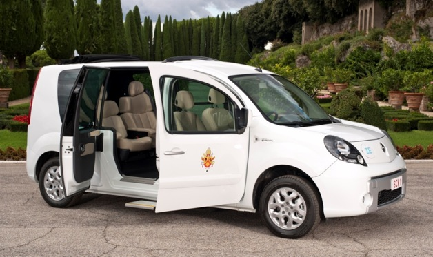 Renault Popemobile Kangoo Maxi ZE