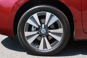 2013 Nissan Leaf wheel