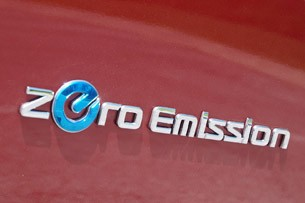 2013 Nissan Leaf badge