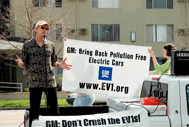paul scott tells GM don't crush the EV1