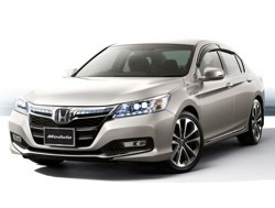 2014 Honda Accord Hybrid JDM - front three-quarter view