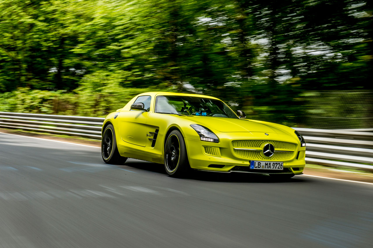 Mercedes benz sls amg coup electric drive photo gallery for Mercedes benz electric drive